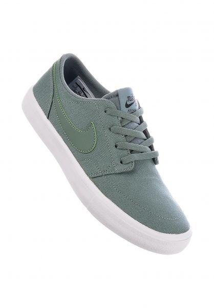 Nike SB Alle Schuhe Portmore II Wmn claygreen-black Vorderansicht