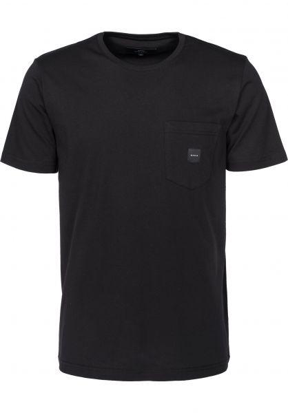 Makia T-Shirts Square Pocket black Vorderansicht