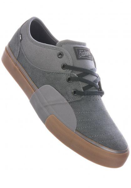Globe Alle Schuhe Mahalo Plus darkshadow-gum vorderansicht 0640883