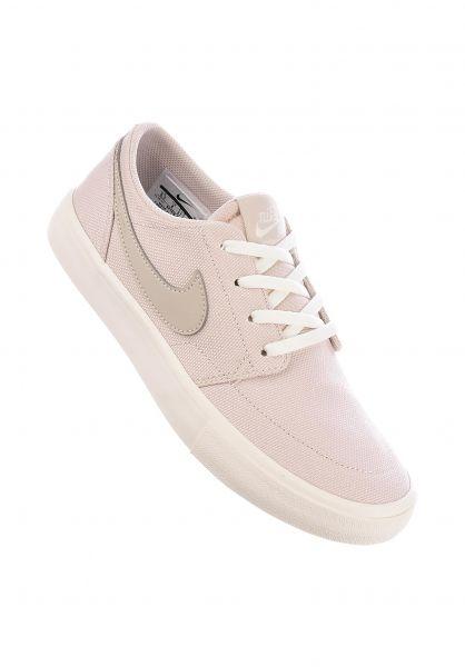 Nike SB Alle Schuhe Portmore II Wmn desertsand-ivorywhite Vorderansicht