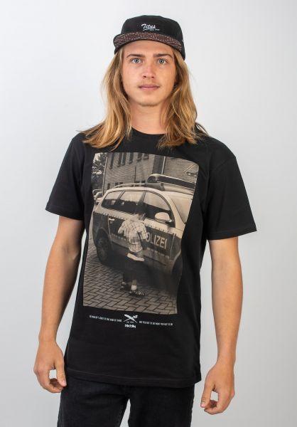 iriedaily T-Shirts Pissizei black vorderansicht 0394024