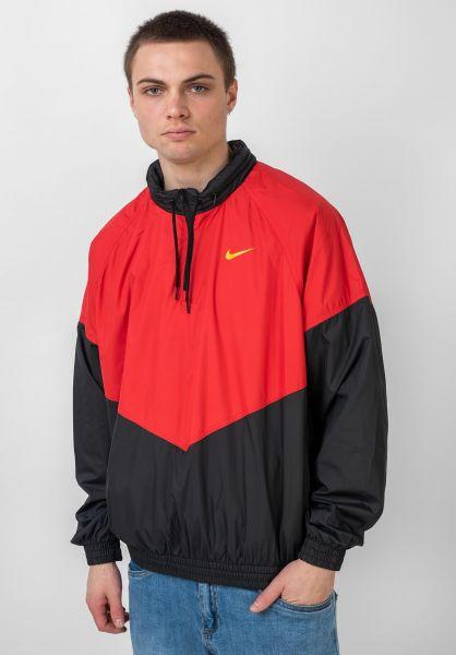 Nike SB Übergangsjacken Shield Jacket universityred-black-gold vorderansicht 0504496