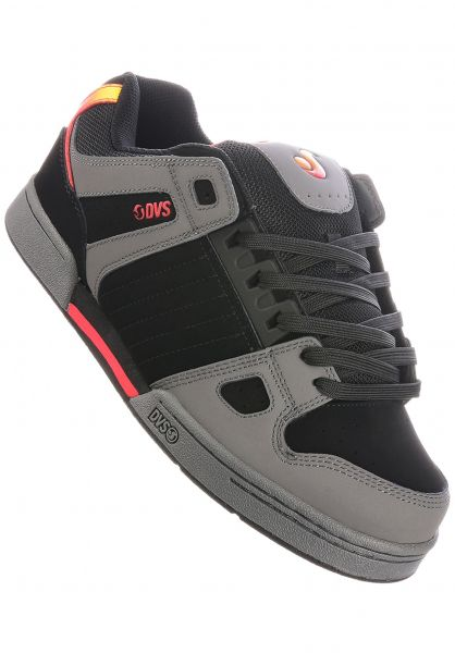 DVS Alle Schuhe Celsius charcoal-black-red vorderansicht 0603780