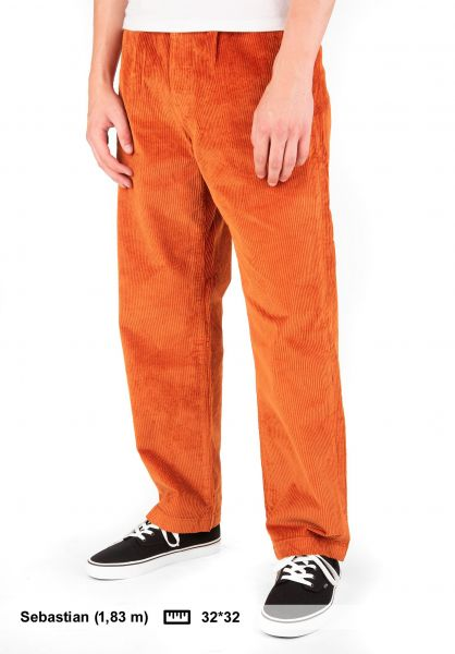 Levis Skate Chinos und Stoffhosen Pleated Trousers Corduroy bombay-brown vorderansicht 0202066