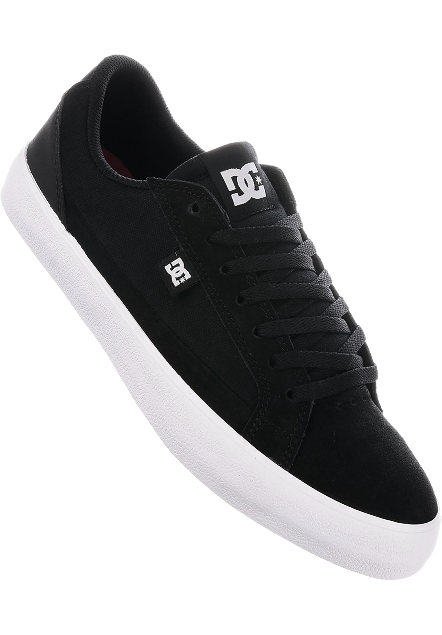 7e6272e6b849 Lynnfield DC Shoes All Shoes in black-white for Men | Titus