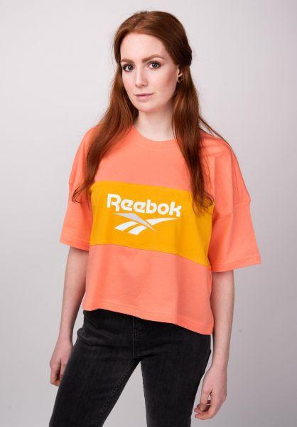Cropped Reebok T Shirts in stellarpink for Women | Titus