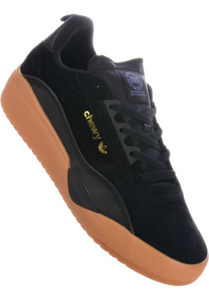 adidas-skateboarding Alle Schuhe Liberty Cup x Chewy coreblack-gold-gum vorderansicht 0604692