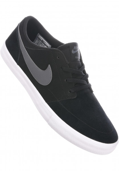 Nike SB Alle Schuhe Solarsoft Portmore II black-darkgrey-white Vorderansicht 56e4d9a4b