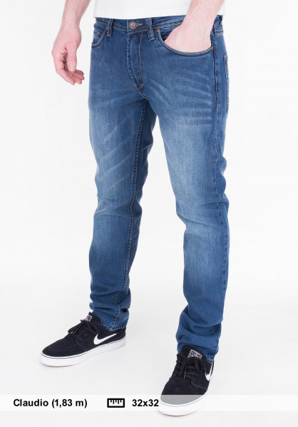 Reell Jeans Nova 2 sapphireblue Vorderansicht