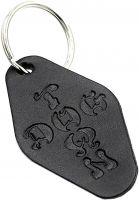 dogtown-verschiedenes-leather-hotel-keychain-black-vorderansicht-0972794