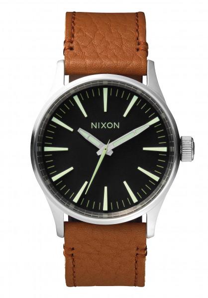 Nixon Uhren The Sentry 38 Leather black-saddle Vorderansicht